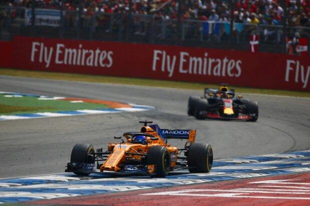 Fernando Alonso Daniel Ricciardo McLaren McLaren F1 Team F1Red Bull Aston Martin Red Bull Racing F1 ~Fernando Alonso (McLaren) und Daniel Ricciardo (Red Bull) ~