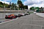 Max Verstappen (Red Bull), Marcus Ericsson (Sauber) und Charles Leclerc (Sauber)
