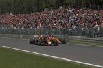 Daniel Ricciardo (Red Bull) und Stoffel Vandoorne (McLaren)