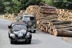 Sachsen Classic 2018: Team Autostadt mit dem Volkswagen Typ 1 Pritschenwagen (1951), gefolgt vom Volkswagen Transporter T 1