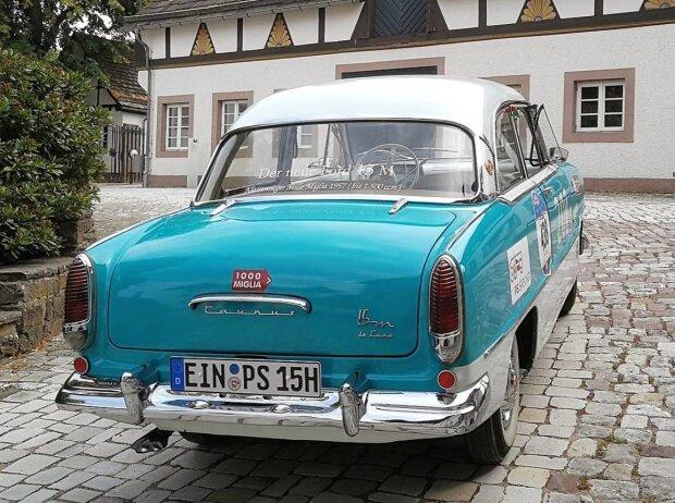 Ford Taunus 15M de Luxe (1957): Schönheit, die ihrer Sicherheit dient. So pries damals die Werbung den 15M an