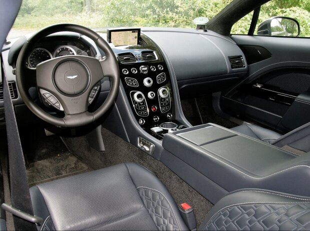 Innenraum und Cockpit des Aston Martin Rapide S 2018