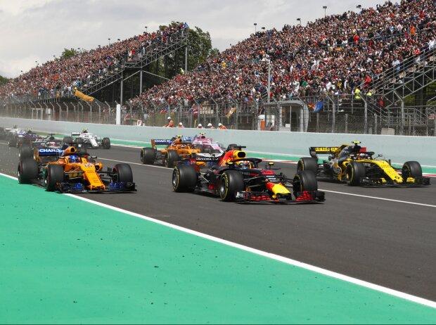 Max Verstappen, Fernando Alonso, Carlos Sainz