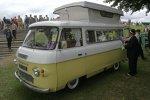 VW Bus auf englisch: Dieses Wohnmobil stammt von der hierzulande unbekannten Firma Commer. Dort wurden bis 1979 Fahrzeuge gebaut.