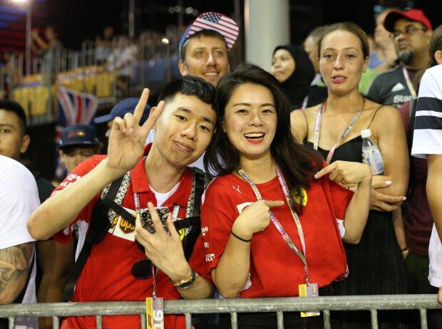 Fans in Singapur