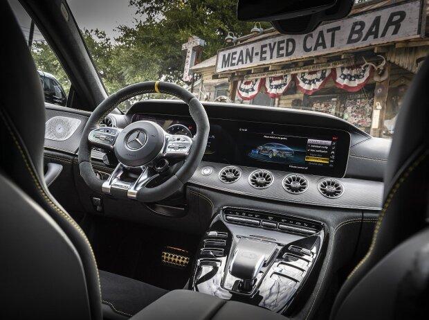 Innenraum und Cockpit des Mercedes-AMG GT 63 S 4-Türer Coupe