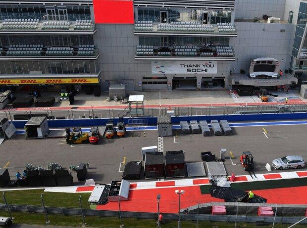 Formel-1-Fracht auf dem Sochi Autodrom
