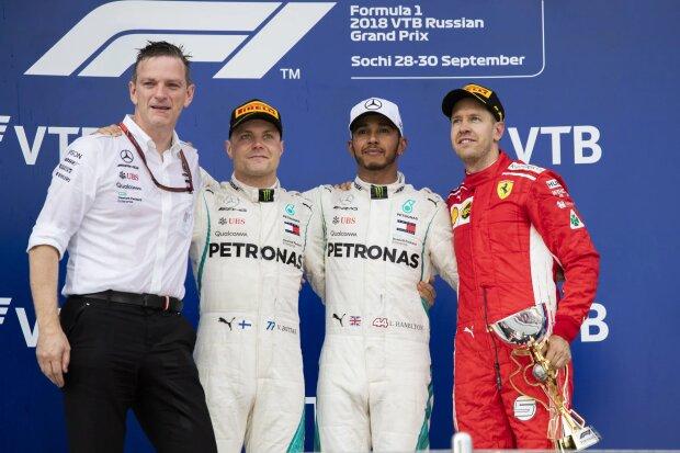 Valtteri Bottas Lewis Hamilton Sebastian Vettel Ferrari Scuderia Ferrari F1Mercedes Mercedes AMG Petronas Motorsport F1 ~Valtteri Bottas (Mercedes), Lewis Hamilton (Mercedes) und Sebastian Vettel (Ferrari) ~