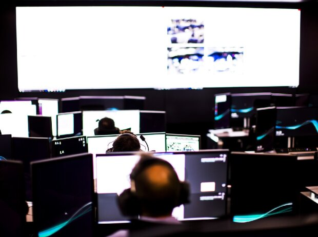 Mercedes, Race Support Room