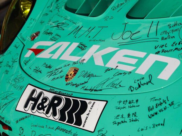 Falken-Porsche, Fan-Unterschriften