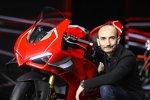 Claudio Domenicali mit der Ducati Panigale V4R