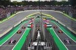 Esteban Ocon (Racing Point), Stoffel Vandoorne (McLaren) und Fernando Alonso (McLaren)