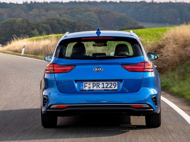 kia ceed sw 2019 test bilder infos zu preis. Black Bedroom Furniture Sets. Home Design Ideas