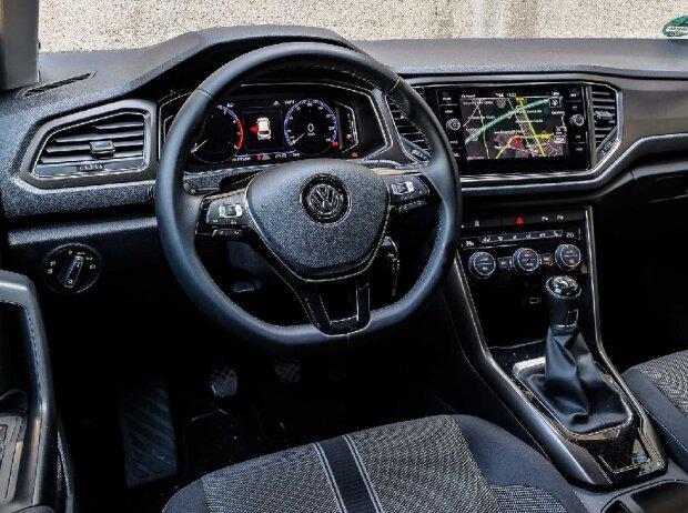 Innenraum und Cockpit des VW T-Roc 1.0 TSI 2019