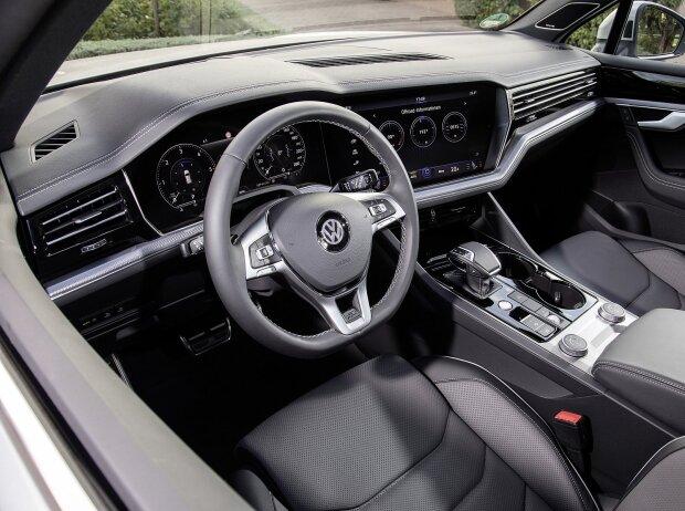 Innenraum und Cockpiut des VW Touareg 2019