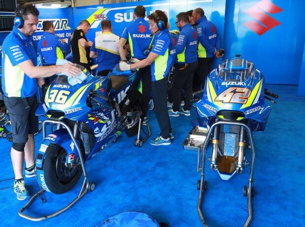 Box: Team Suzuki Ecstar