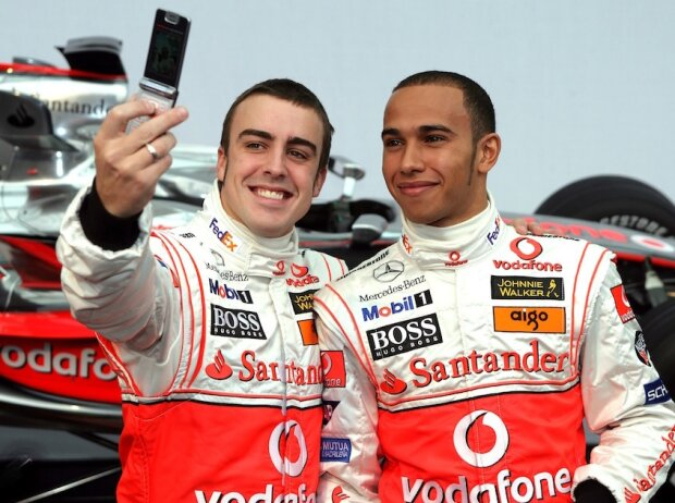 Image result for lewis hamilton fernando alonso 2007