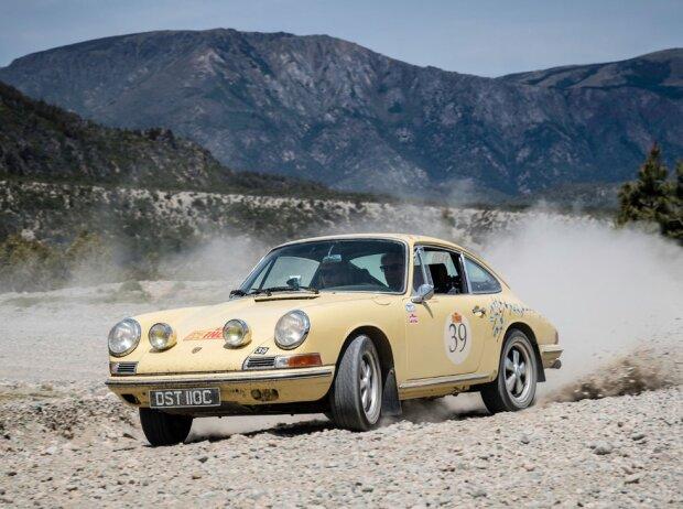 Porsche 911, 1965, Rally the Globe