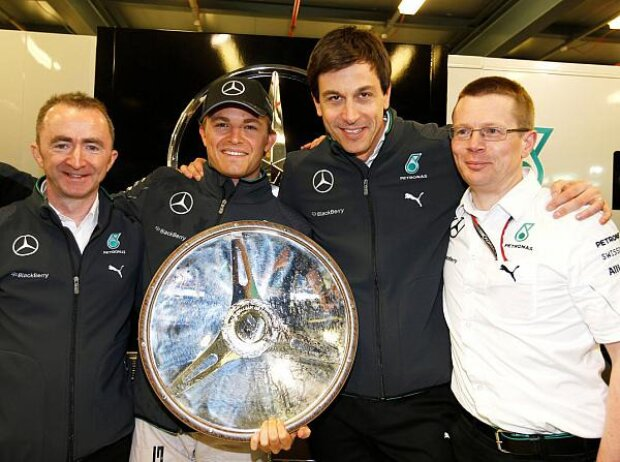 Nico Rosberg, Toto Wolff, Paddy Lowe, Andy Cowell