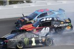 Crash: Kurt Busch (Ganassi), Darrell Wallace (Petty), Jamie McMurray (Spire)