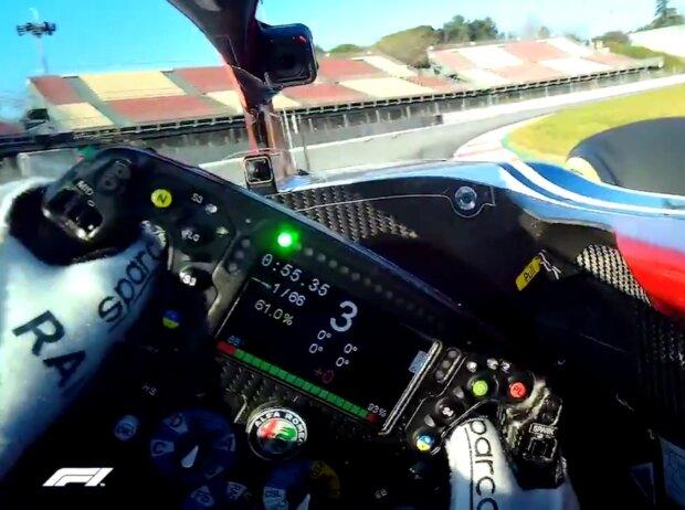 Kimi Räikkönen filmt mit der Visor-Cam