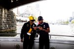 Daniel Ricciardo (Renault) und Lewis Hamilton (Mercedes)