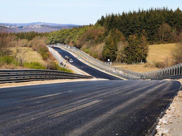 Nürburgring-Nordschleife, Asphalt, Bauarbeiten, Schwedenkreuz