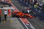 Charles Leclerc (Ferrari) und Kimi Räikkönen (Alfa Romeo)
