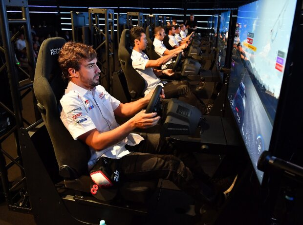 Fernando Alonso, Simracing