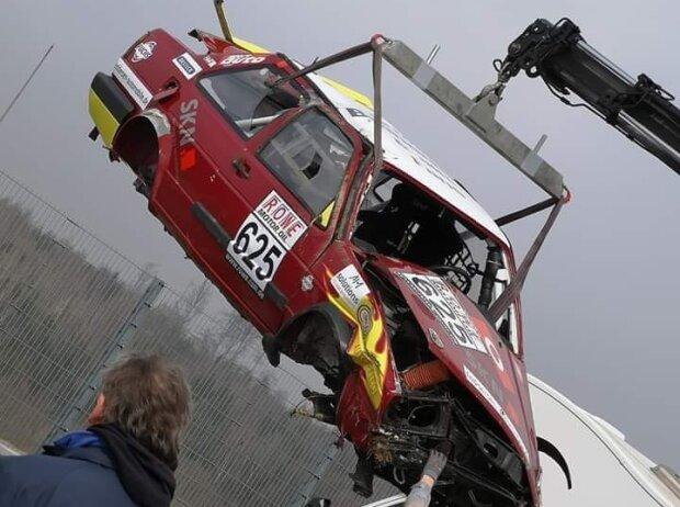 VW Jetta, Abschleppwagen, Unfall