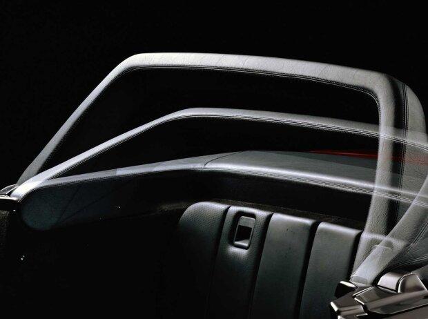 Automatischer Überrollbügel des Mercedes-Benz SL der Baureihe R 129