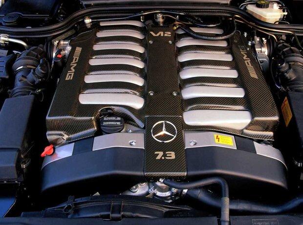 7,3-Liter-V12-Motor des Mercedes SL 73 AMG