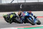 Alex Rins vor Valentino Rossi