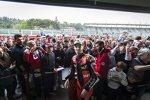 Chaz Davies mit den Ducati-Fans