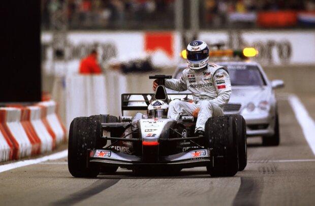 Mika Häkkinen David Coulthard Red Bull Aston Martin Red Bull Racing F1 ~Mika Häkkinen und David Coulthard ~
