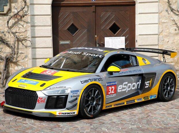 Audi R8 LMS GT4 im eSPORTS1 Design