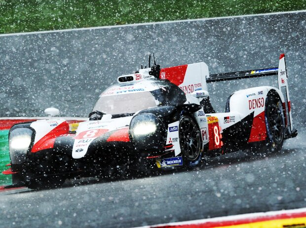 Kazuki Nakajima, Fernando Alonso, Schnee