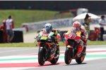 Andrea Iannone (Aprilia) und Marc Marquez (Honda)