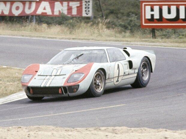 Ken Miles, Dennis Hulme, Ford GT40
