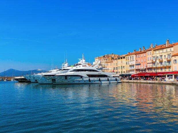 Hafen von Saint-Tropez in Frankreich