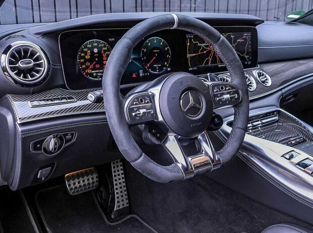 Innenraum und Cockpit des Mercedes-AMG GT 63 S 4-Türer Coupé