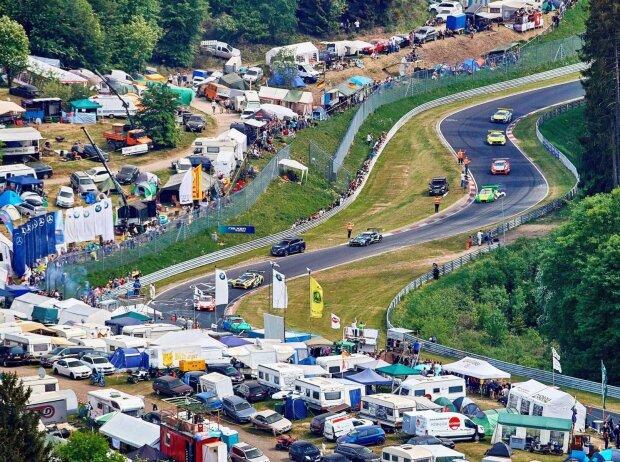 24 Nürburgring, Einführungsrunde, Fans, Zuschauer, Camping
