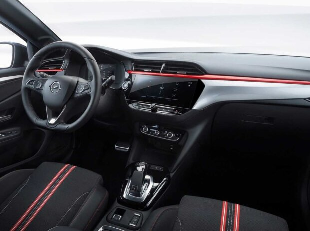 Innenraum und Cockpit des Opel Corsa (2019)