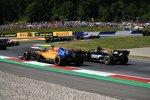 Carlos Sainz (McLaren) und Romain Grosjean (Haas)