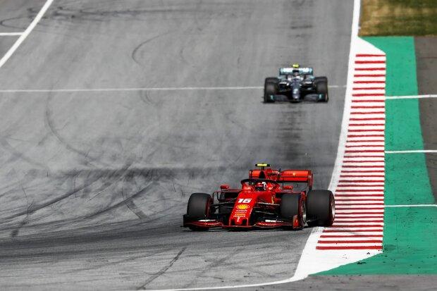 Charles Leclerc Valtteri Bottas Ferrari Scuderia Ferrari Mission Winnow F1 ~Charles Leclerc (Ferrari) und Valtteri Bottas (Mercedes) ~