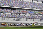 Pack-Racing im Training in Daytona