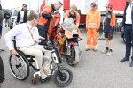 Pit Beirer und die KTM von Johann Zarco (KTM)