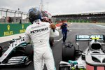 Valtteri Bottas (Mercedes) und Lewis Hamilton (Mercedes)