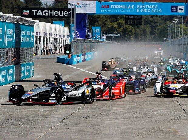 Start der Formel E 2018&19 in Santiago: Sebastien Buemi führt