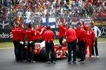 Mick Schumacher im Ferrari F2004 seines Vaters Michael